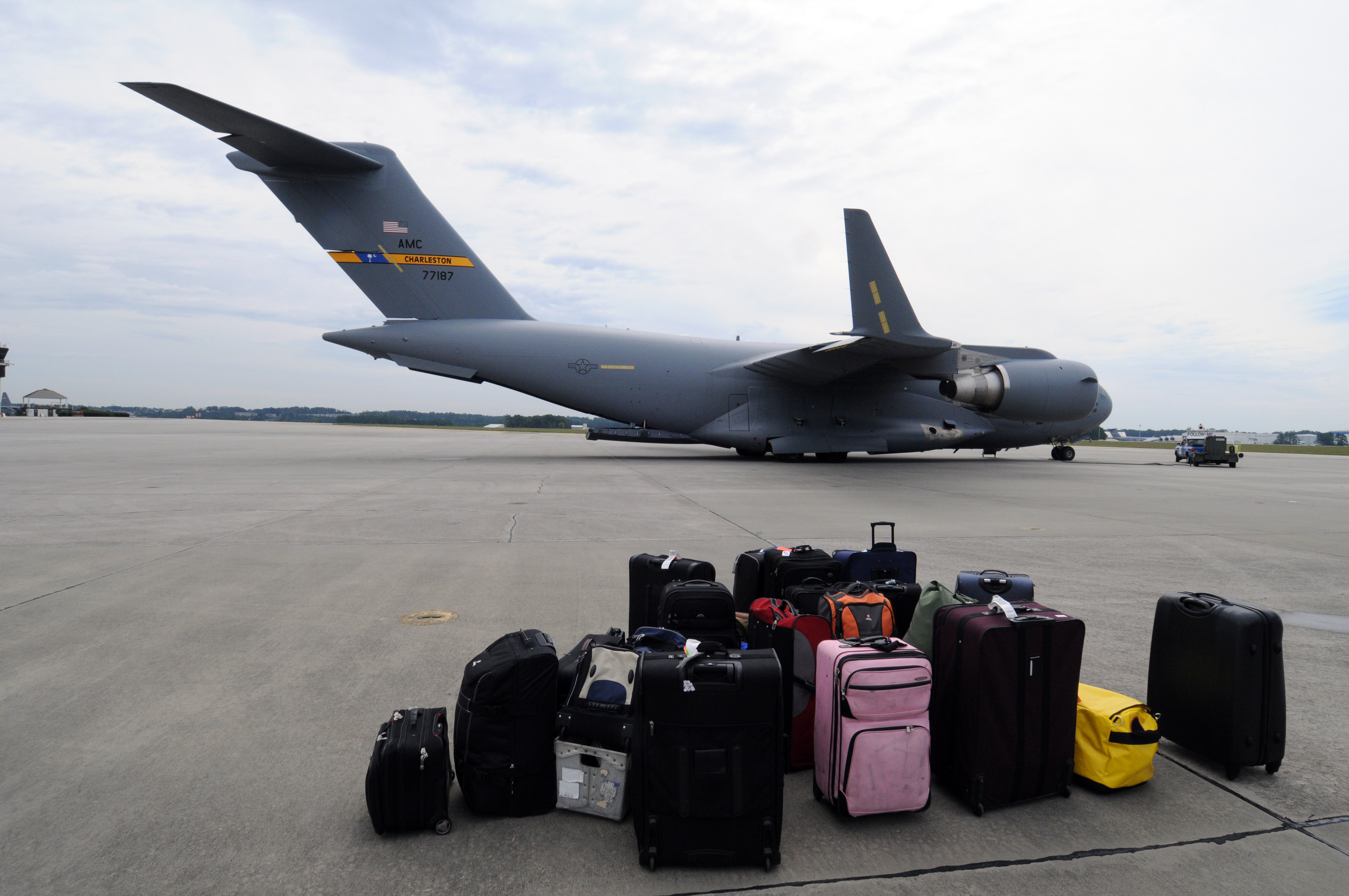 Enjoy the Advantages of Luggage Trackers